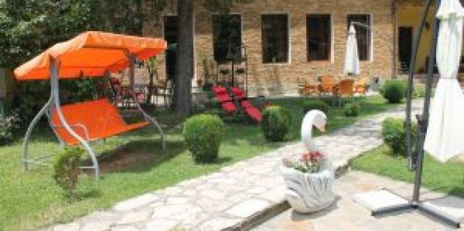 Семеен хотел Николова къща