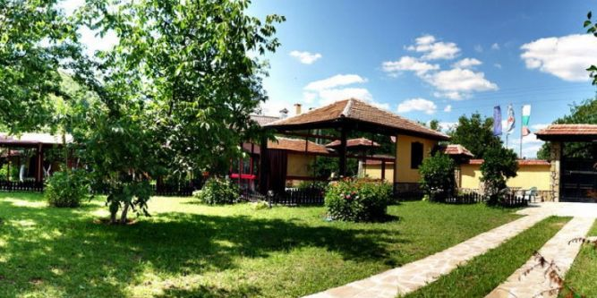 Къща с река Росна Вила