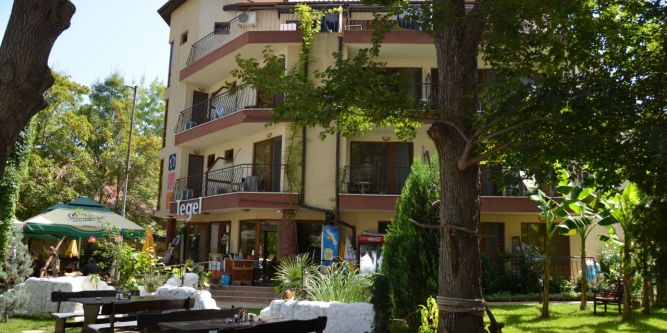 Хотел Tегел