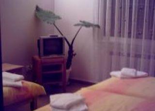 Семеен хотел Пичурови