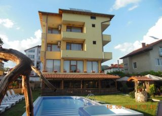 Семеен хотел Шарков
