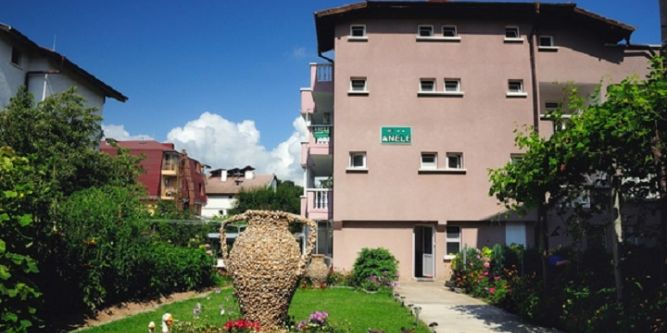 Семеен хотел Анеле