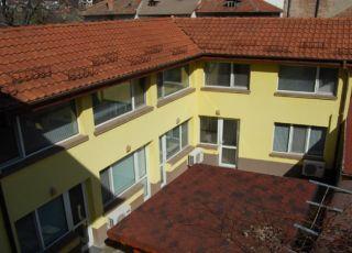 Къща Славяни