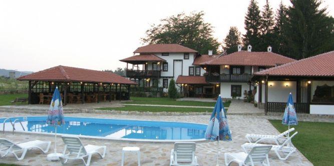 Семеен хотел Тихия кът