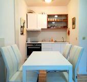 Apartment Apostolovi Apartments
