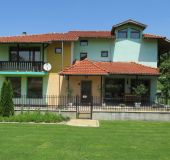 House Pri Orehite