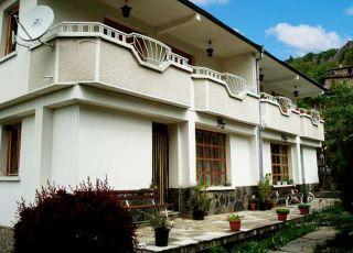 Семеен хотел Бориките