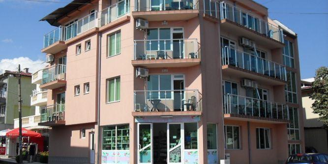 Семеен хотел Емералд