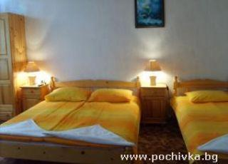 Семеен хотел Златна котва