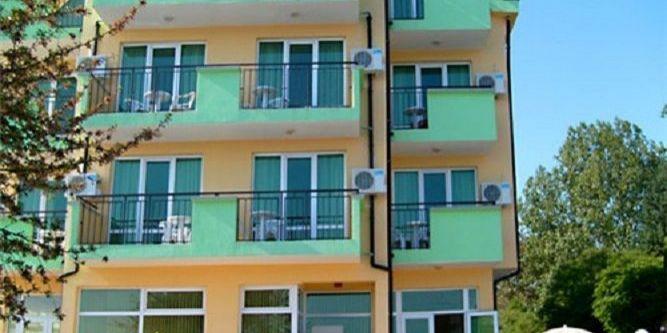 Семеен хотел Марина