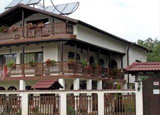 Къща Цоневски