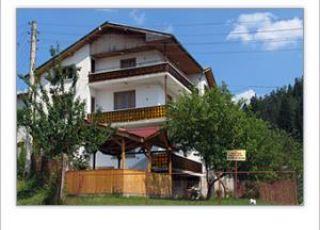 Семеен хотел Снежана