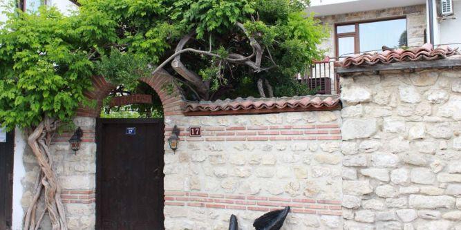 Хотел Кириос