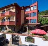 Family hotel Armira