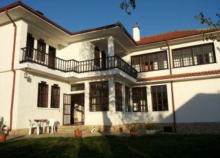Семеен хотел Переника