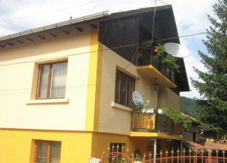Къща Гълъбови