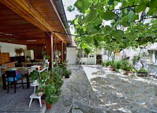 Къща Квартири Къдреева