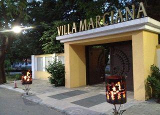 Вила Марциана, до Девня