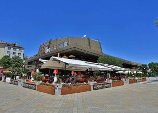 Bar de Rouge, Варна