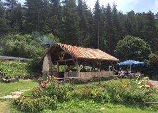 При парк за мечки, Белица, Благоевград