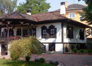 Музея, Златица