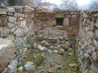 Църкви в крепостта Кракра - Перник