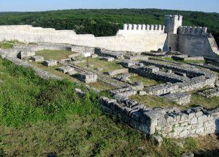 Раннохристиянски църкви в Шуменската крепост