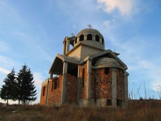 Църква в местността Песковица - с. Несла