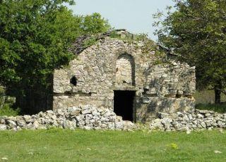 Пустата църква - с. Камено поле