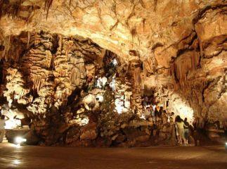 Съева дупка (пещера)
