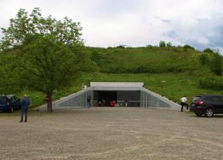 Голямата Косматка (Гробница на цар Севт III до Казанлък)