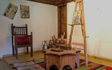 Постоянна иконна изложба Банска художествена школа