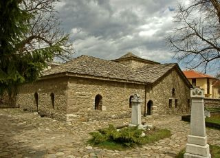 Църква-костница Св. Неделя