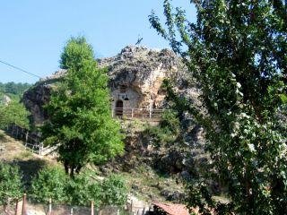 Скална църква Св. Петка