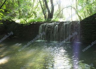 Водопад Подпорната стена