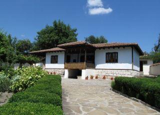 Добруджанска къща с етнографска експозиция Алфатар