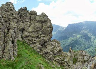 Пеещи скали (резерват)