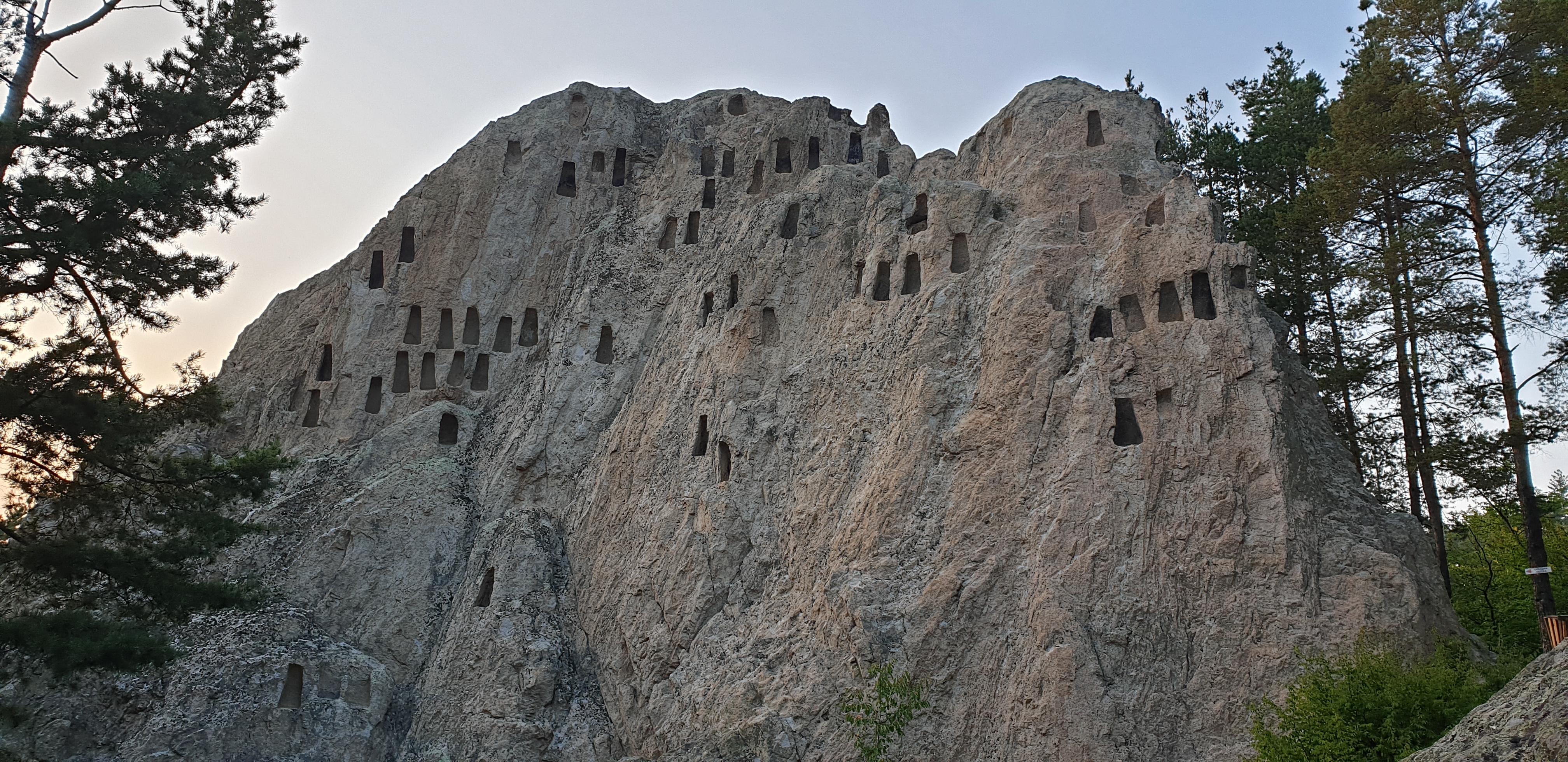 Орлови скали