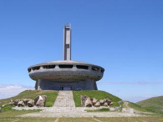 Бузлуджа (паметник)