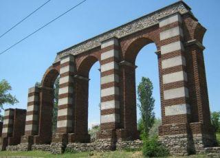 Римски акведукт