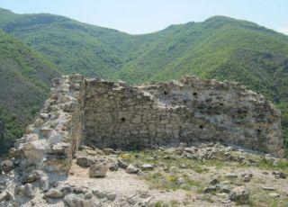 Средновековна крепост Землънград