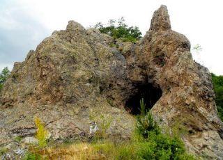 Илкая (Лековит камък)