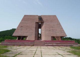 Пантеон на загиналите в битката при Гургулят
