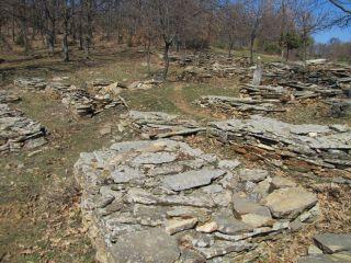 Късновъзрожденски гробища при село Планинец