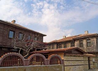Резерват Старите поморийски къщи