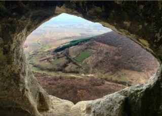 Ханкрумовски скален манастир