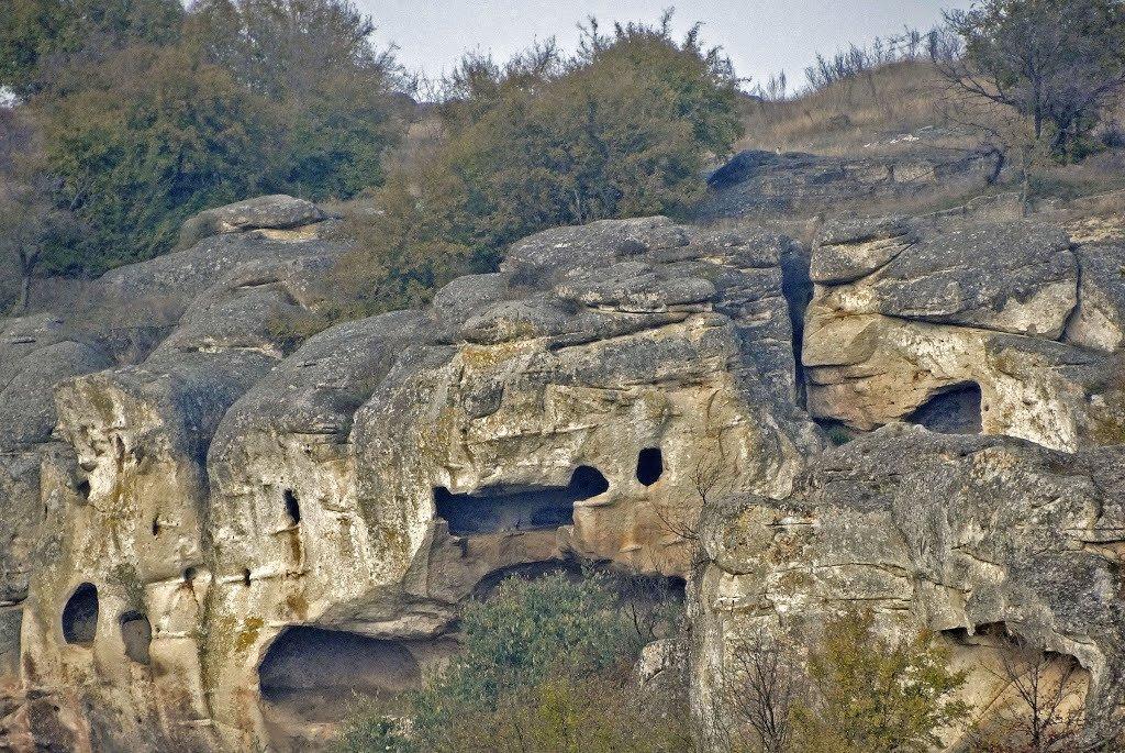 Рояшки скален манастир