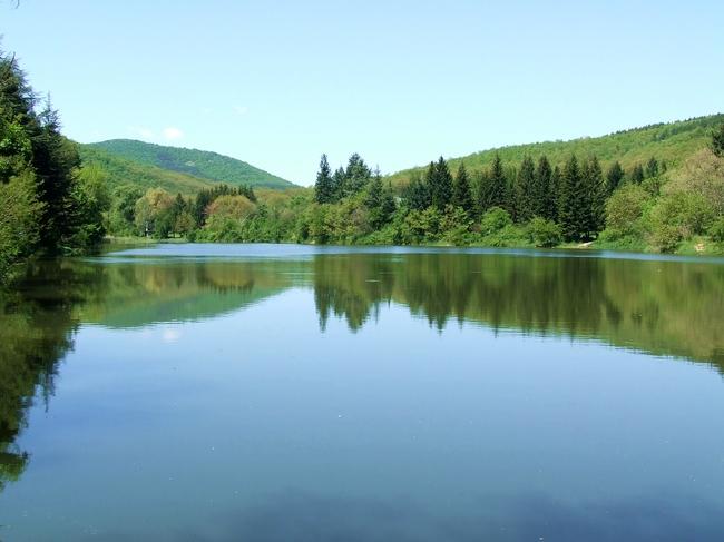 Езерото на Минерални бани