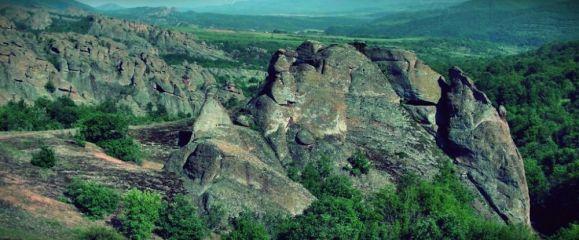 Скалите до село Дъбравка