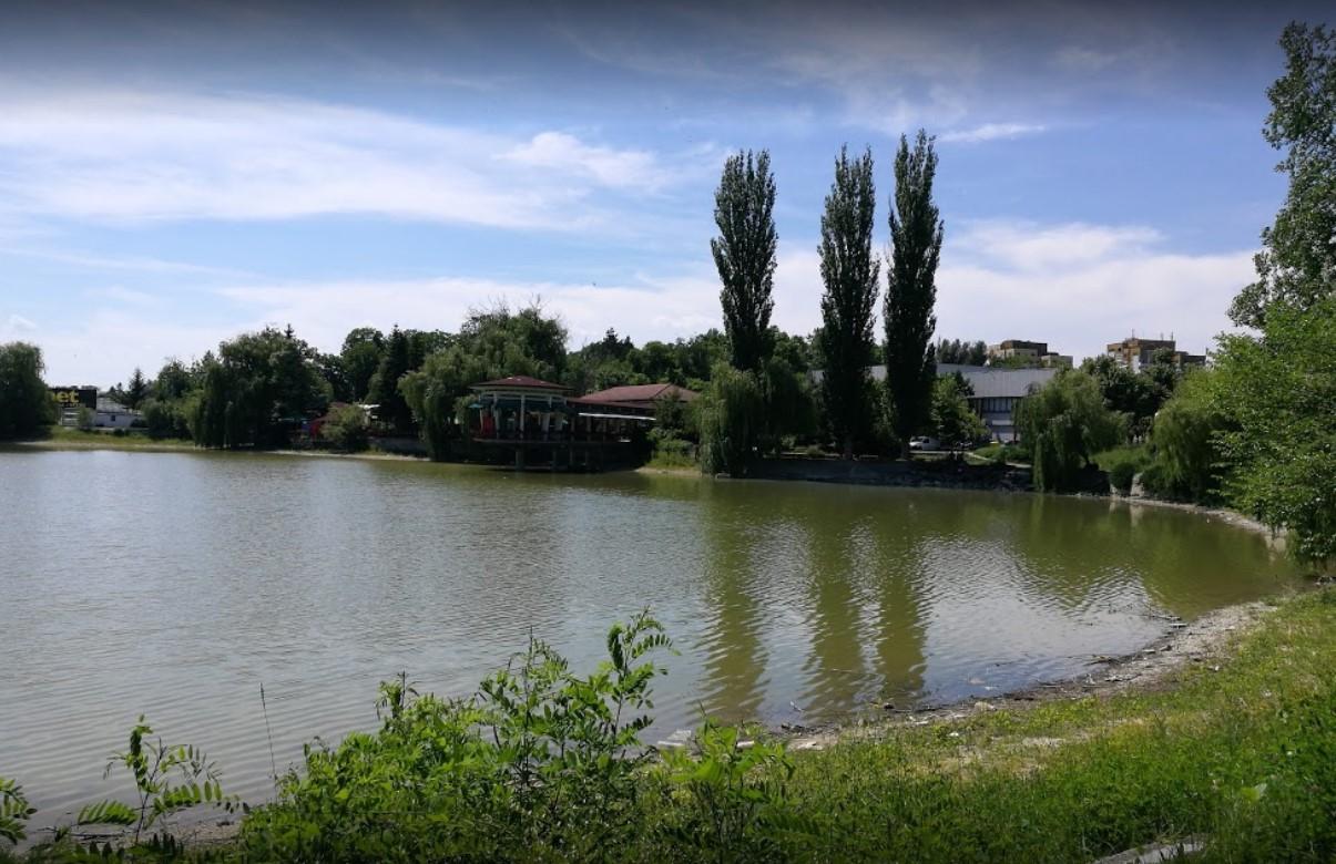 Езеро Борово око